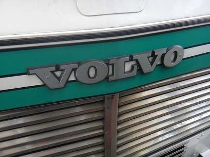 Volvo-B58-Ext-FrontDecal