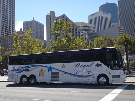 RoyalCoachTours-582-Ext-Side