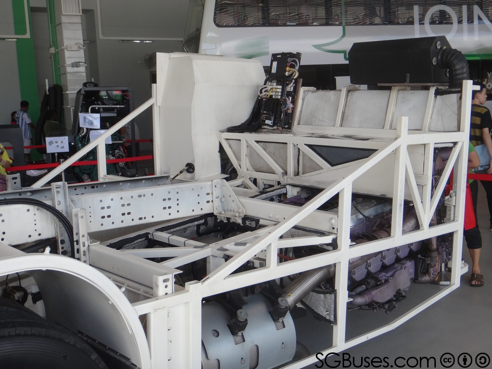 NL323F-Chassis-RearSection